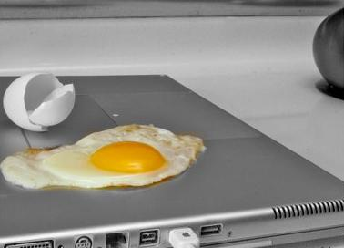 Fry an egg on a mac